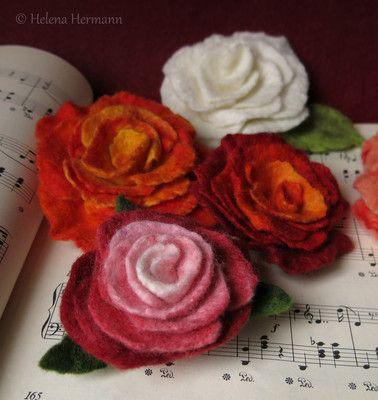 Filzrosen by Helena Hermann, Felted Flower Brooches Roses