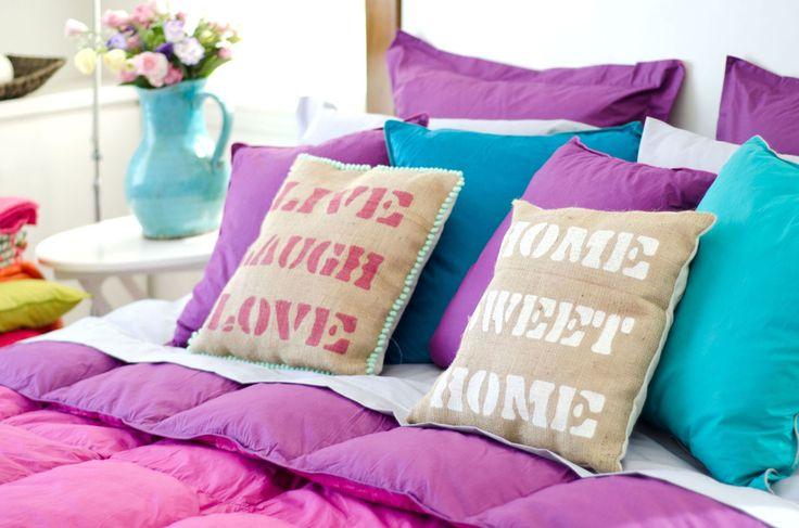 Textiles, acolchados, almohadones, todo vale al momento de abrigarnos. #Invierno #Hola #Textiles #Almohadones #Colores