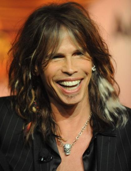 Steven Tyler = hottest classic rock star EVAH!!! I once was 1 elevator ride behind him (says the security guard at Logan Airport). I hope to meet him someday!