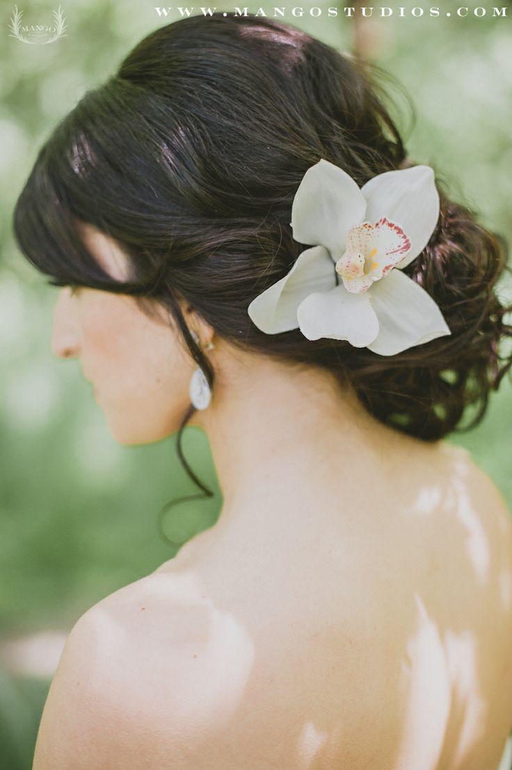 #hair #updo #flower #grey #weddingideas #wedding #inspiration #outdoors #darkhair #curly #mangostudios Photography by Mango Studios