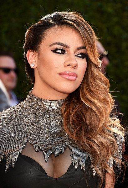 Dinah-Jane Hansen's Glamour Waves and Thick Eyeliner | The o'jays and Articles