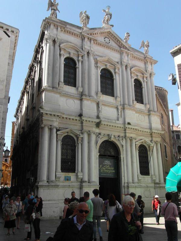 67 best images about venezia italia on pinterest statue for Scuola sansovino venezia