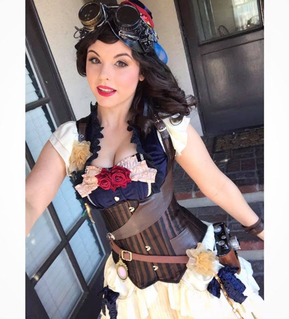 Steampunk Snow White Cosplayer Amber Arden (steampunk disney princesses cosplay) - For costume tutorials, clothing guide, fashion inspiration photo gallery, calendar of Steampunk events, & more, visit SteampunkFashionGuide.com