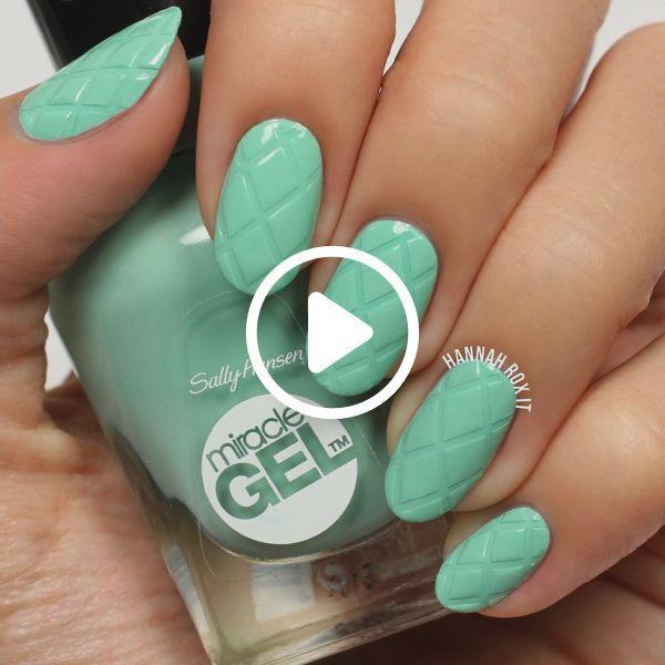 How to Get a Criss Cross Manicure #darbysmart #beauty #nailpolish #nailart #nail…