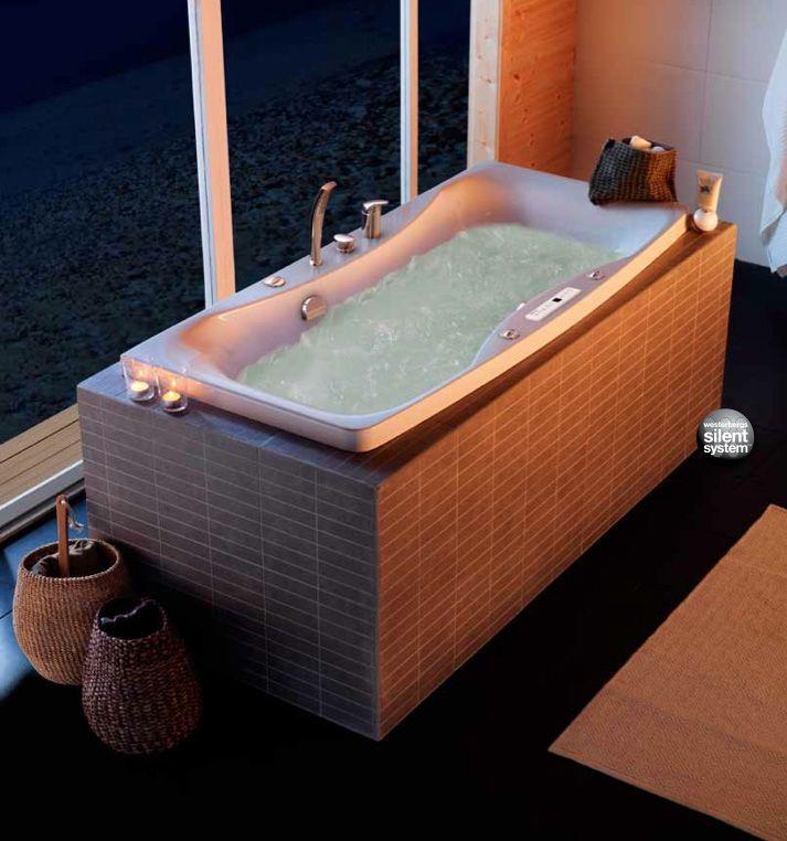 Er du fan av luksus? Møt boblebad Ocean: http://handlebad.no/badekar-massasjekar/massasjekar/ocean-150-sq