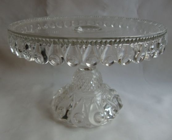 ANTIQUE STUNNING 1892 CAKE STAND- REVERSE TORPEDO- DALZELL GLASS & 173 best Vintage: Cake Plates - Covers images on Pinterest   Vintage ...