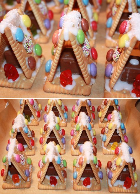 mini gingerbread houses made with cookies.