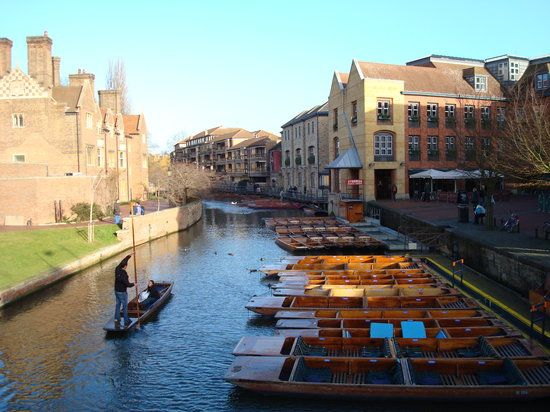 Soak up the rich history of Cambridge. Situated in the heart of East Anglia, Cambridge is easily accessible by car or train. Wander along the River Cambridge or visit one of the Cambridge universities iconic buildings.