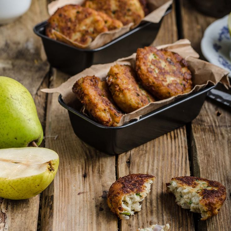 Pear & Blue Cheese Cakes. There is something about the combination of a sharp blue cheese and the intense sweetness of pear that creates a wonderfully satisfying drama in the mouth. #Fry #Recipe