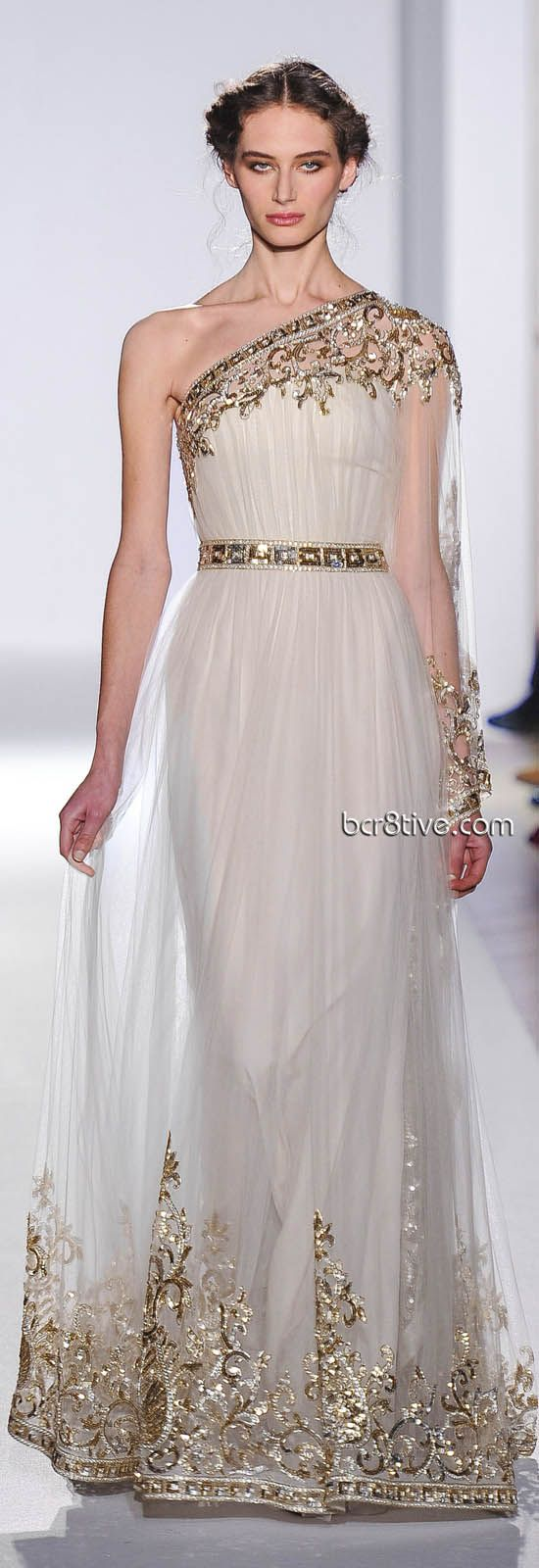 Zuhair Murad Spring Summer 2013 Haute Couture - Paris ... I'm actually liking that gold embroidery or whatever it is