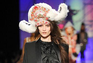 Хохлома в моде: 7 легендарных брендов, которые без ума от русского искусства