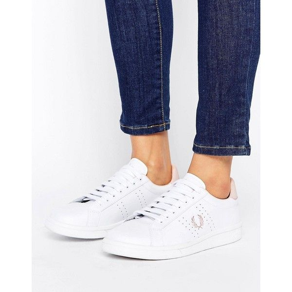 Fred Perry White and Pink Leather Sneakers (6.610 RUB) ❤ liked on Polyvore featuring shoes, sneakers, white, leather sneakers, white shoes, white trainers, fred perry shoes and lace up shoes