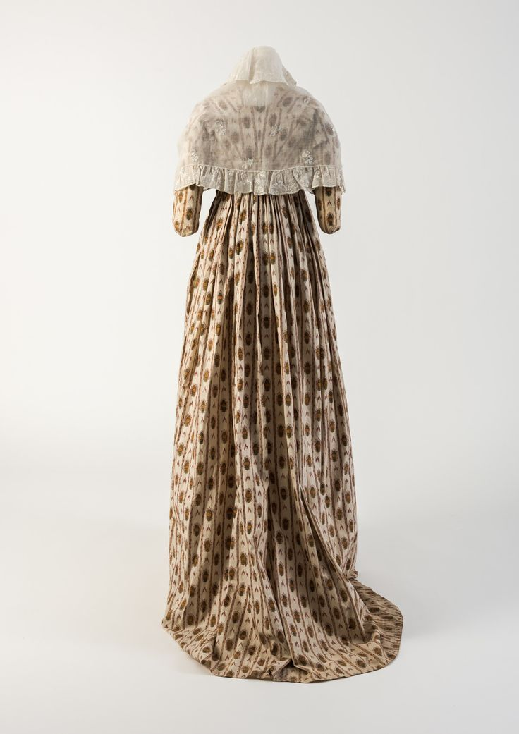 OBJECT 25 - Red and green printed cotton gown, 1790s.  Fashion Museum Bath.