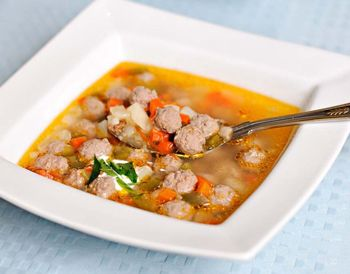 квадратная тарелка для супа