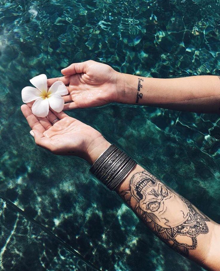 Caroline Receveur tattoo                                                                                                                                                                                 Plus