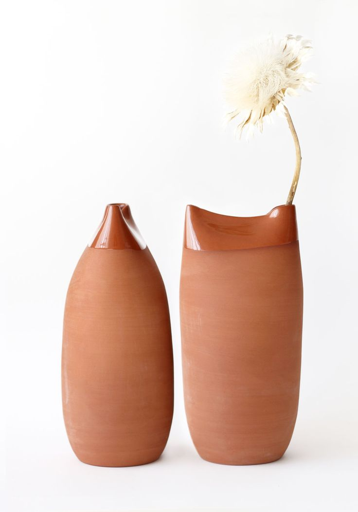 """Designed by Martín Azúa / """"Kàntir"""" is a new version of the traditional """"botijo"""" used to drink cold water."""