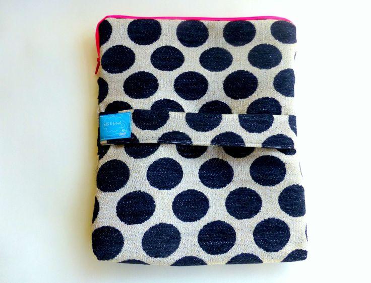 tablet case with zipper, lining and protective cushioning - ipad case in black and white, sizing on demand  - egst by ElliandPaul on Etsy