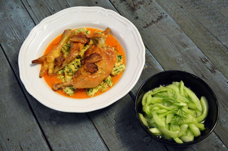 Paprikás csirke nodeklivel és uborkasalátával - Receptek | Ízes Élet - Gasztronómia a mindennapokra