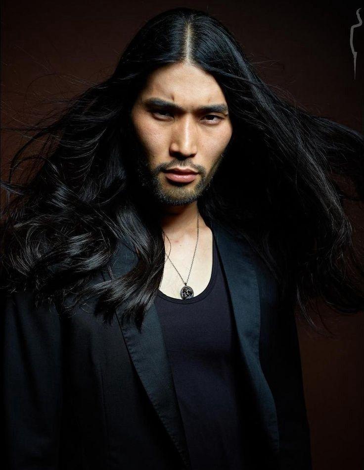 7 Gaya potongan rambut panjang pria terbaru ini sangat ...