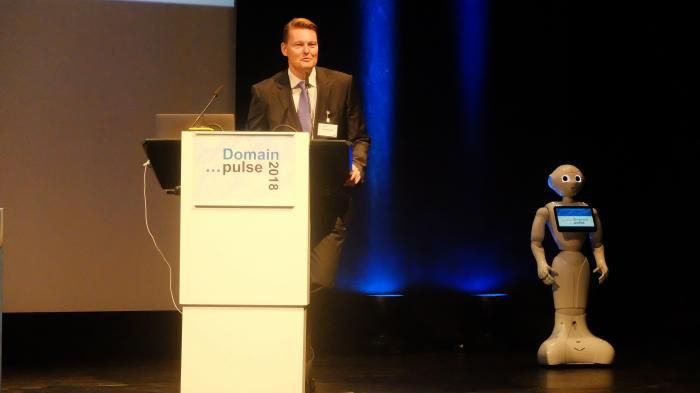 Domain-data Whois at the Denic: farewell to a quiet Servus   Denic CEO Jörg Schweiger on the Domain Pulse conference in 2018   Soon the Denic will publish the data of domain holders only sparingly. A lot of data such as the old AdminC will not even be queried said Denic CEO Jörg Schweiger. The old Whois is a piece of history..   How many data must provide a private domain holder price if he has a Domain and it was registered only for his Mailbox? A long dispute between privacy advocates and…