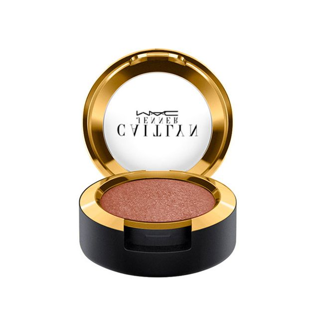 Eye Shadow / Caitlyn Jenner in Malibu Bronze: Highly pigmented powder. Applies evenly, blends well. Use wet or dry. Available in three limited-edition shades with a Veluxe Pearl and Velvet finish. Specially packaged in luxurious soft-touch black and shiny gold.