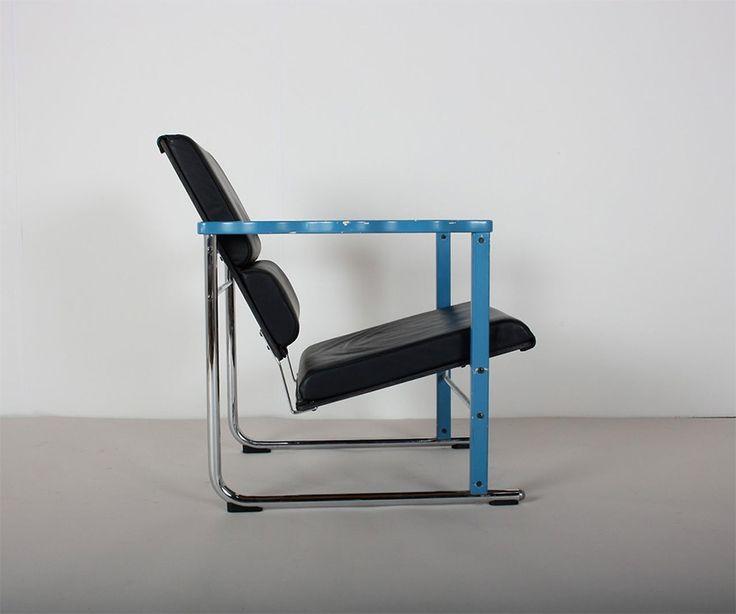 """Experiment"" chair (1982) by Yrjö Kukkapuro Material: wood, leather, metal Manufacturer: Avarte (Helsinki, Finland)"