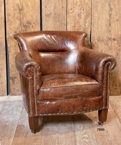 Poltrona in cuoio - leather chair http://www.griffegenova.com/Griffe_Home/Divani_pint_new.html