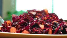 Roergebakken rode kool met gember en appel - recept | 24Kitchen