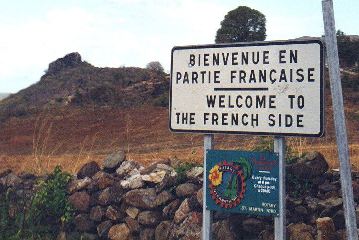 Saint Martin/Sint Maarten island: half French, half Dutch   @BUTTERFIELDTRAV  via @OtraV