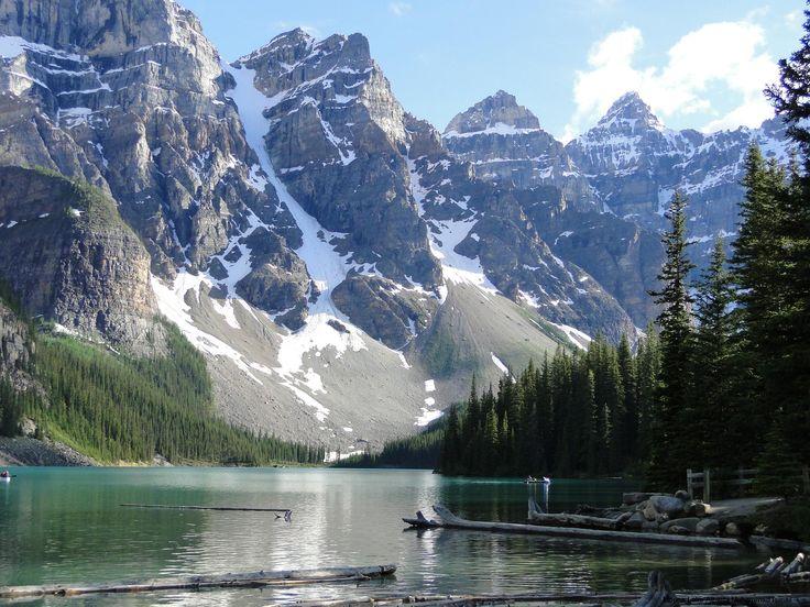 http://upload.wikimedia.org/wikipedia/commons/4/45/Moraine_Lake_July-2001.JPG