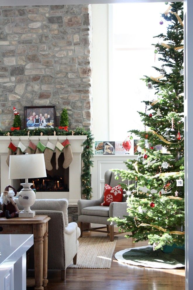 traditional-living-room-christmas-decorating-ideas