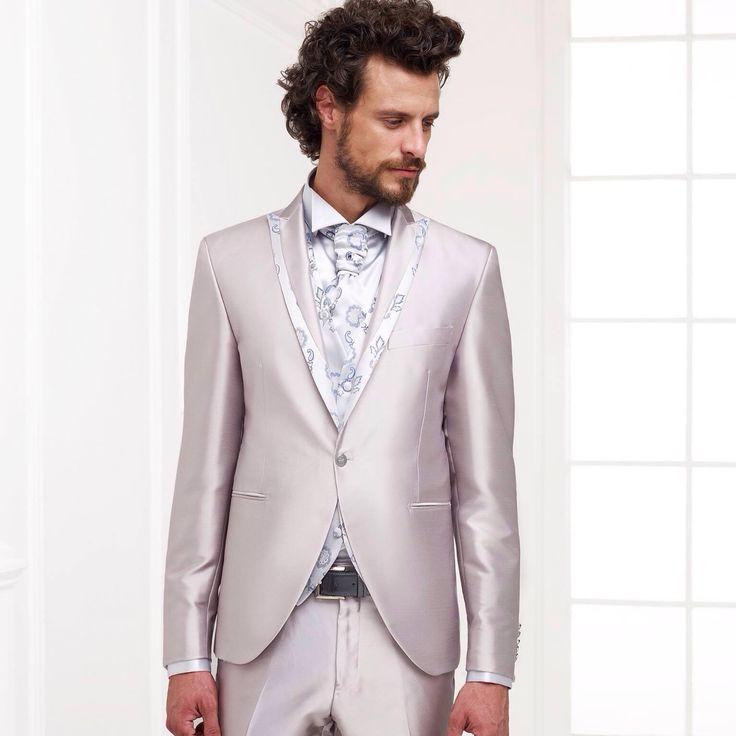 Un abito bianco è l'ideale per cerimonie al mare o in campagna. E' perfetto se la sposa ha scelto un abito colorato, oppure un total white. Consiglio: cercate di mantenere il segreto sul vostro look. La vostra anima gemella nel vedervi resterà a bocca aperta. #TuttevoglionoAndrea