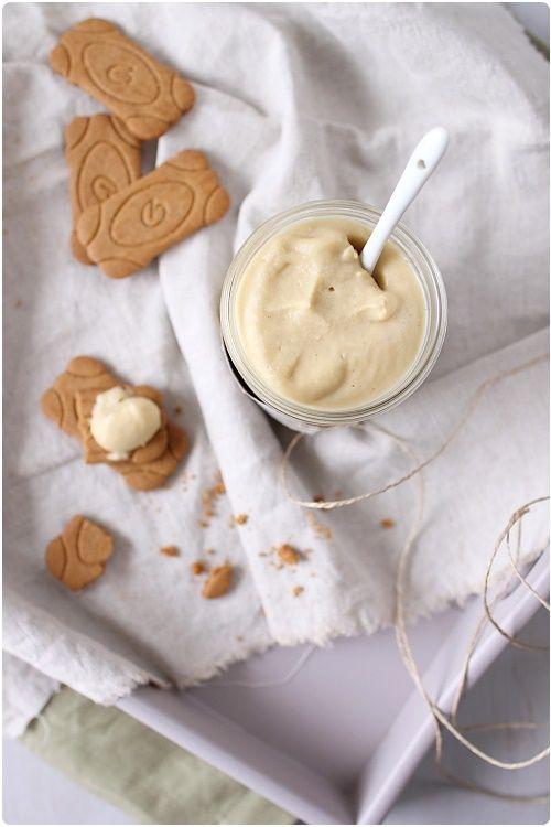 Si vous vous lassez de la confiture et du beurre sur vos tartines du petit-déjeuner, je vous invite à vous intéresser à cette recette de beurre de pomme. C