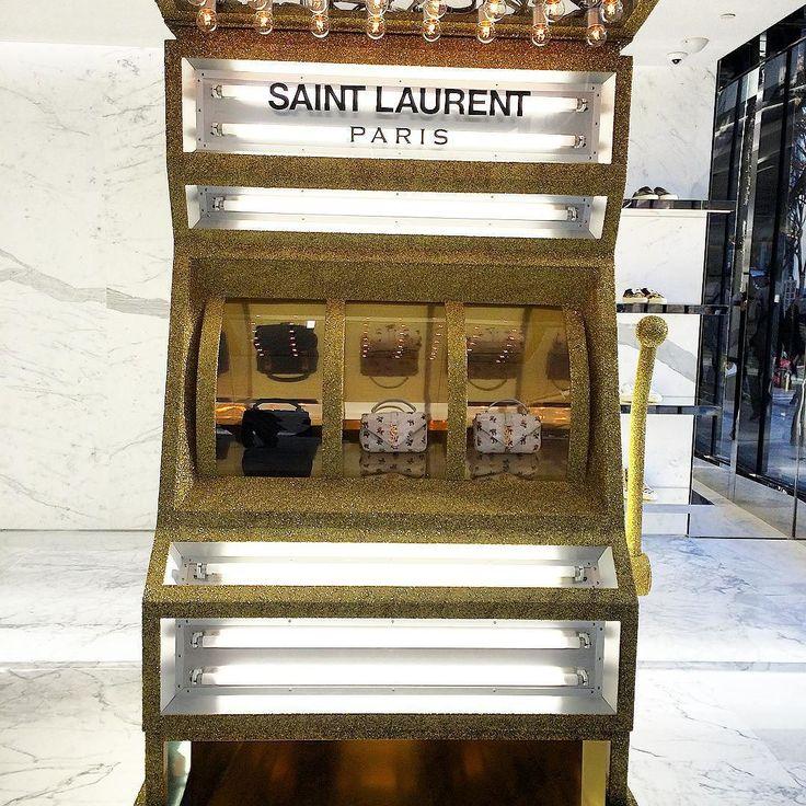 サンローラン世界最大級のショップが表参道にオープンエントランスにはこんなマシーンも#newshop #saintlaurent #tokyo @saintlaurentparis_official by voguejapan