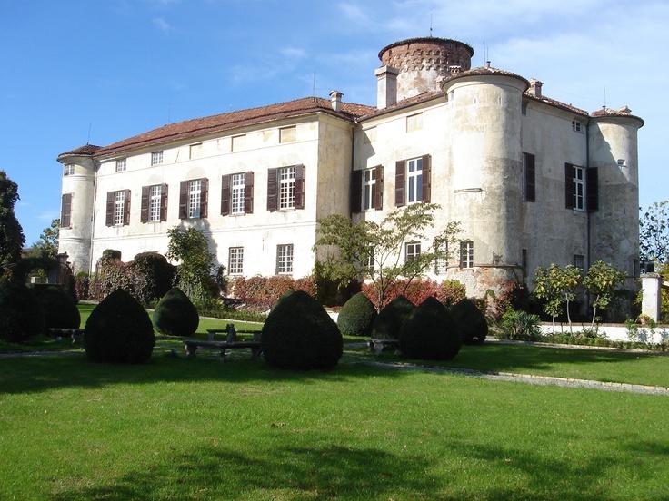 """Il Castello di Rocca Grimalda, uno dei """"palcoscenici"""" de """"L'Altro Monferrato 2012 a cura di Agriteatro www.agriteatro.it su Fb Agriteatro"""