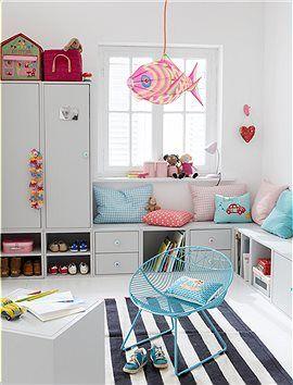Holzwürfel mit Tür, 120 hoch Würfel machen mobil. Diese lassen sich immer wieder neu zusammenstellen und egal ob als Küchen-, Bücher oder Ki...