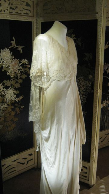 Wedding dress worn in 1915. Silk, satin, tulle chiffon, lace