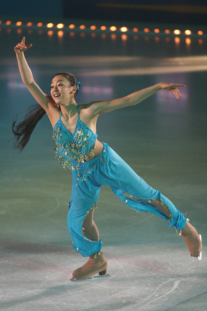 Mao Asada - (Beautiful and original outfit !!)