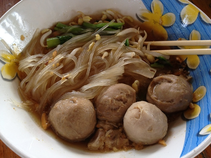 "Thai noodle call ""Guaythaew"""
