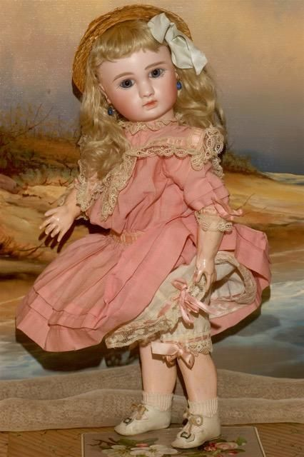 THE MOST ADORABLE STEINER…This gentle soul is a treasure from her silken antique blonde mohair curls right down to her ivory toned Leather Antique