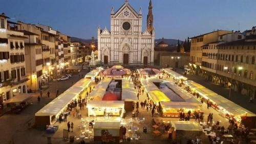 Mercato Di Natale Tedesco A Firenze - Firenze  The open market is back in Piazza Santa Croce till 21st of December 2017