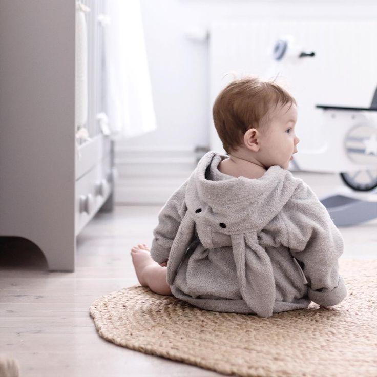 """underminavingar on Instagram: """"Jag vet jag tjatar om badrocken. Men alltså 😍😍😳 finns hos @minirepubliken.se"""""""
