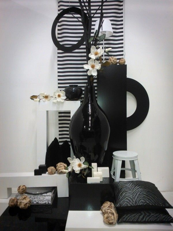 1000 images about compositie on pinterest tes visual merchandising and bauhaus - Deco moderne binnenmuur ...