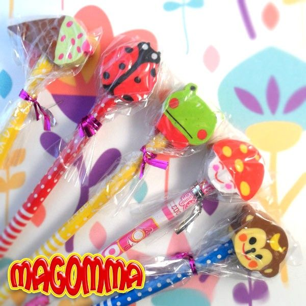 Every time you need an eraser it's almost impossible to find one! With Magommas you'll never have this kind of problems anymore: these beautiful pencils have a built-in eraser… really useful, even if the eraser looks so cute that it'll be hard using it to erase!  Find it on www.Delicute.com