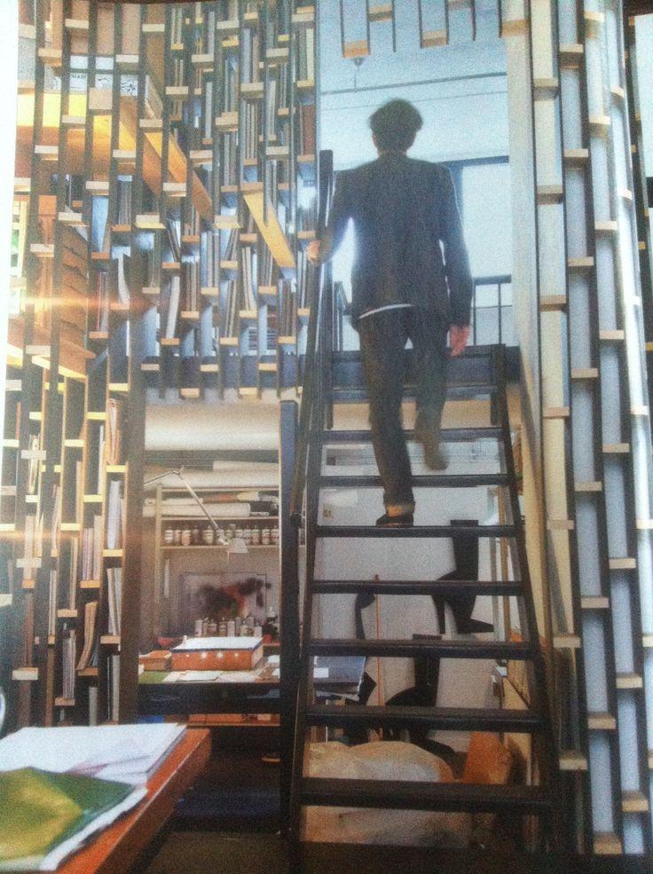 Studio Piet Paris trap / scheidingswand / boekenkast / Event Architectuur (VT wonen november 2011)