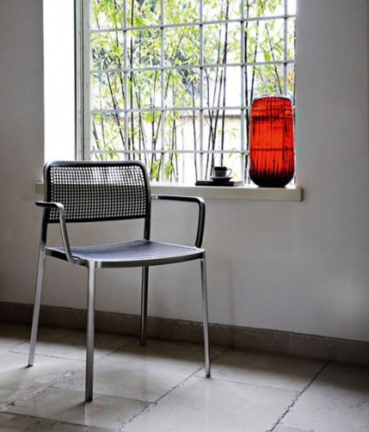 Audrey chair by Piero Lissoni | Starting the week in a Zen mood