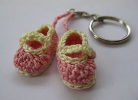 Mini Booties Souvenir  by Mimi Alelis, copyright 2011 Materials You will need only a few yards of thread for each bootie. I used Canno...