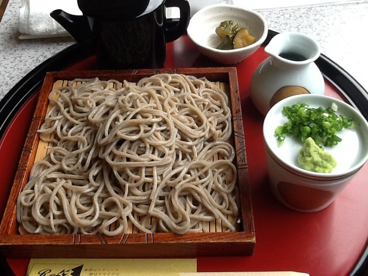 Soba is Japanese noodle. It is so healthy! This food drink boiled juice too.
