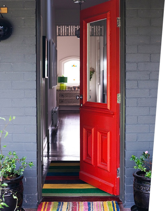 Dulux ito, hot lips & stella http://www.dulux.com.au/imgs/thedesignfiles/bg-look2.jpg