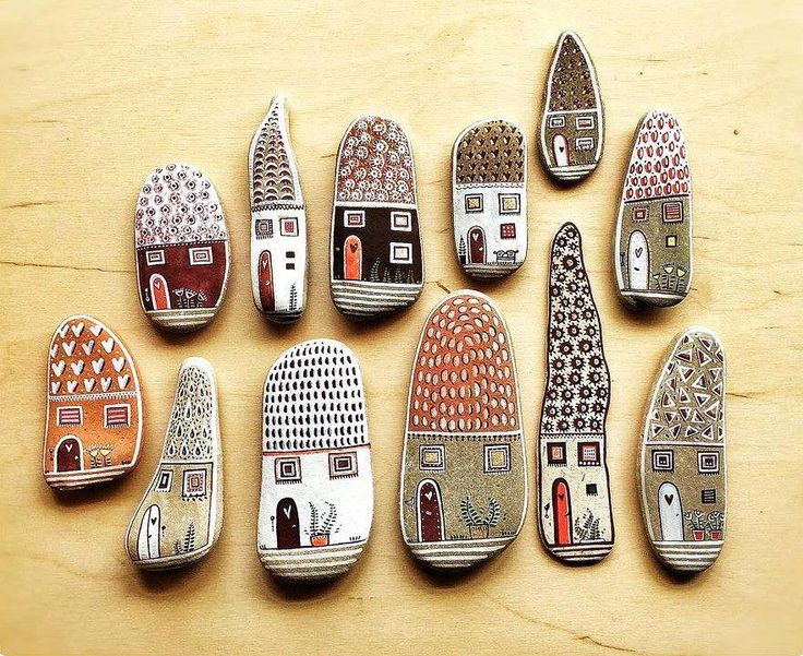 domečky z kamínků nebo keramiky